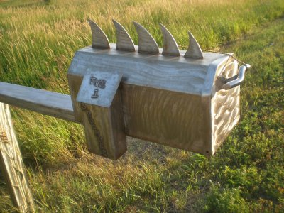 Spiked mailbox